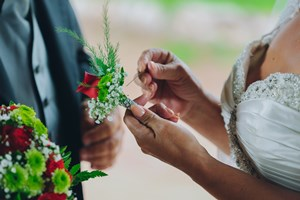 corsage_and_boutonniere